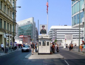 Checkpoint_Charlie_Berlin